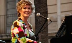 Dena Derose en una actuación en España.