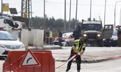 Dos palestinos mueren y cinco israelíes heridos en distintos ataques en Cisjordania.