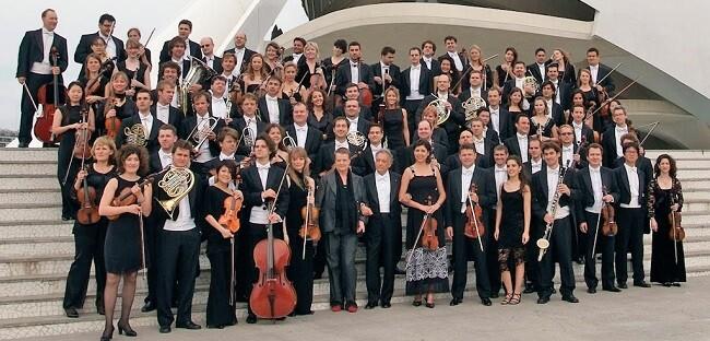 Edmon Colomer debuta al frente de la OCV con partituras de compositores nacionales.