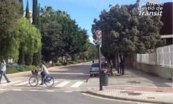 El Ayuntamiento mejora los itinerarios peatonales y ciclistas próximos a los entornos escolares.