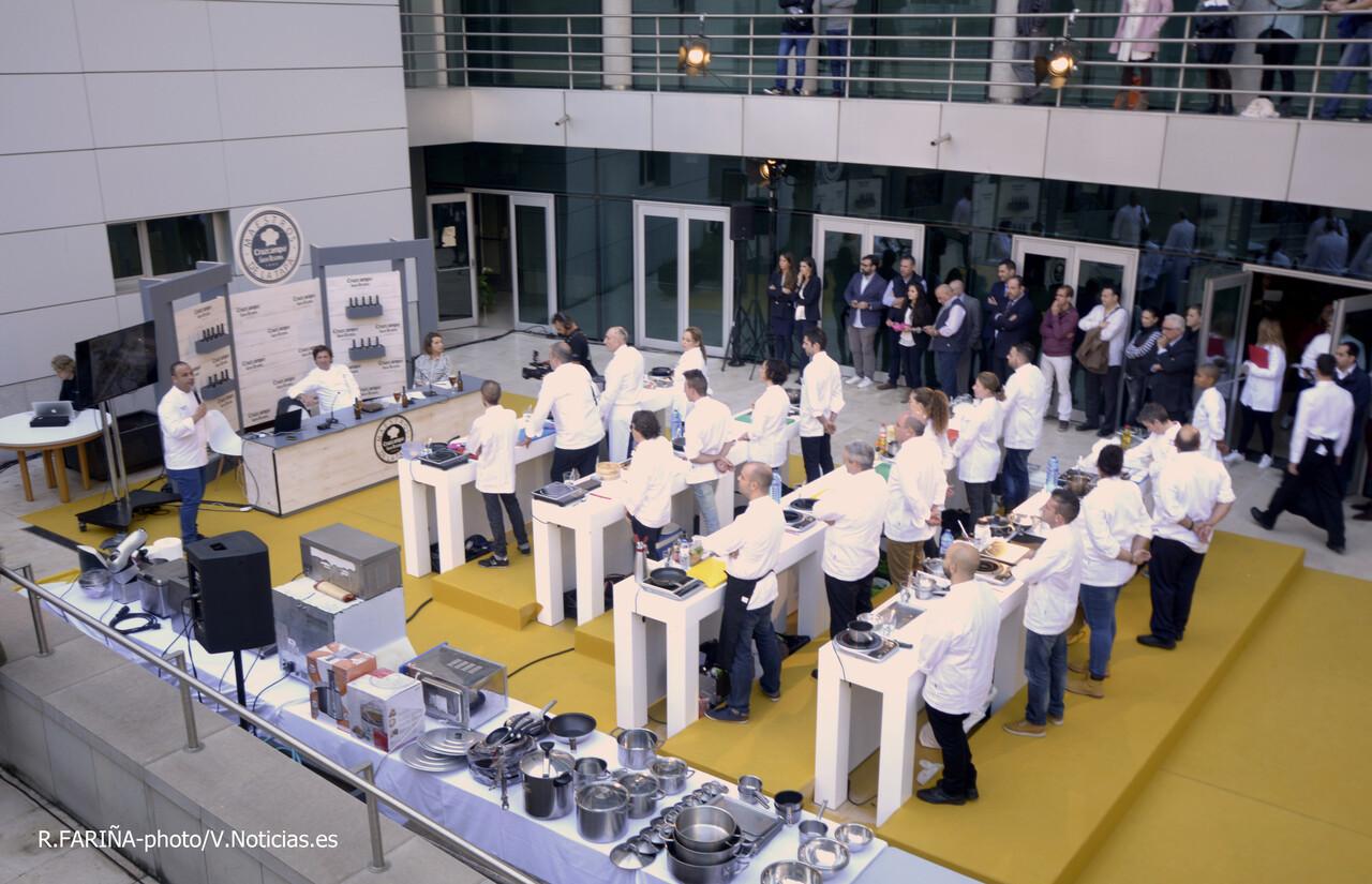 """El CdT de Valencia recibe a los chefs participantes del concurso""""Maestros de la Tapa"""" (1)"""