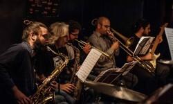 El Jimmy Glass clausura la sección oficial de su festival de jazz con un homenaje a Frank Zappa.