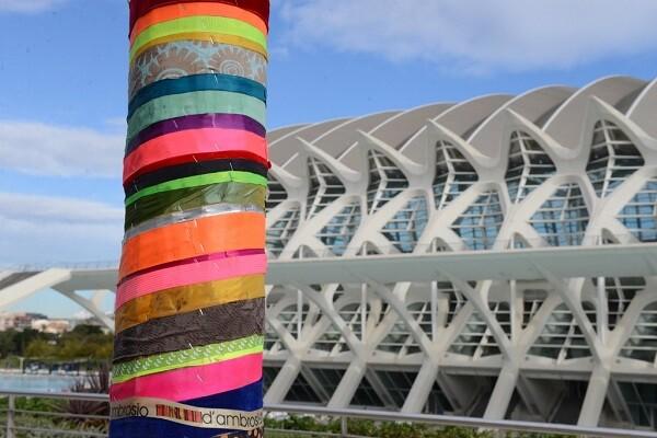 El Paseo del Arte del Umbracle acoge nueve tótems del autor Javier D'Ambrosio.
