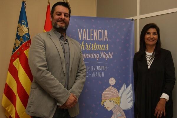 El concejal delegado de Comercio, Carlos Galiana junto a la presidenta de CECOVAL, Isabel Cosme.