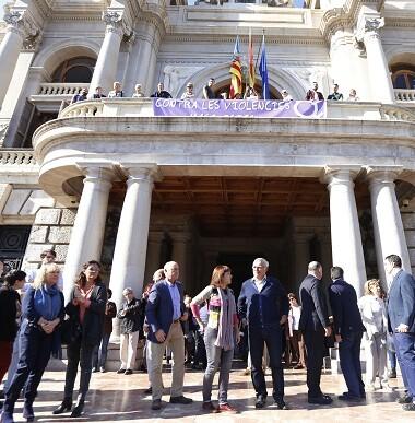 El primer edil manifestó el sentir de toda la Corporación contra la violencia contra la mujer. (Foto-Manuel Molines).