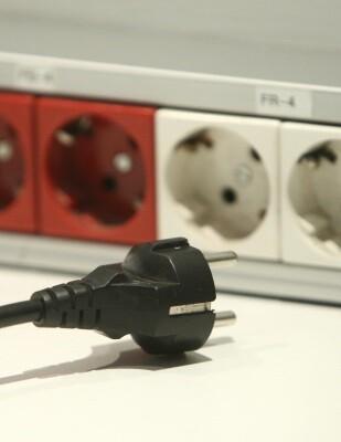 En términos monetarios, la factura eléctrica se ha situado en octubre en 66,92€ para un consumidor doméstico modelo.