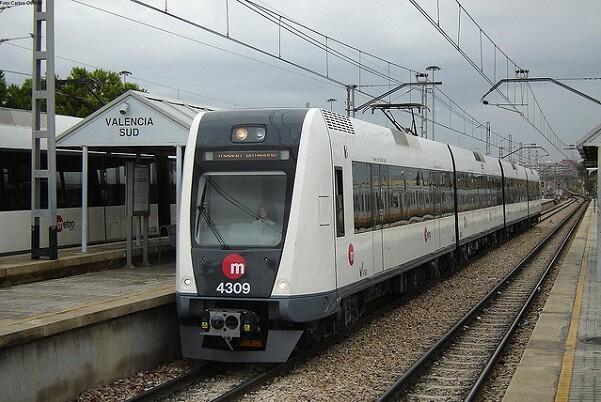 FGV lanza un plan de mantenimiento y reparaciones urgentes de estaciones de la red de Metrovalencia.