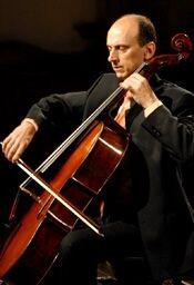Fanlo ocupa la Jefatura del Departamento de Cuerda del Conservatorio Superior de Música de Madrid.