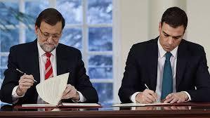 Firma del acuerdo entre el Jefe del Gobierno y Pedro Sánchez.