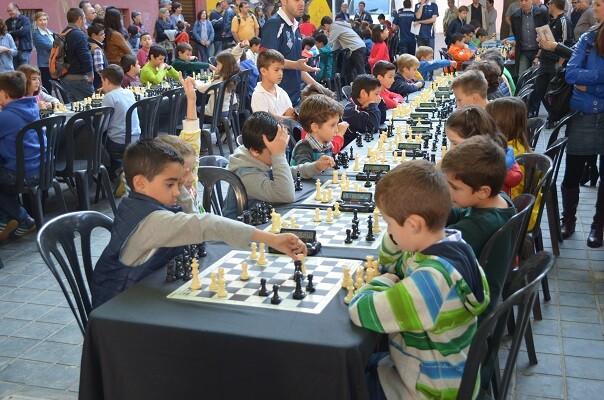 Gran participación en la última jornada del XIX Torneo municipal de Ajedrez 'Juega limpio'.