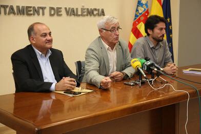 Joan Ribó, entre Joan Calabuig (izquerda) y Jordi Peris (derecha)