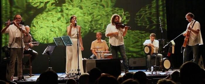 Innerlands durante un concierto.