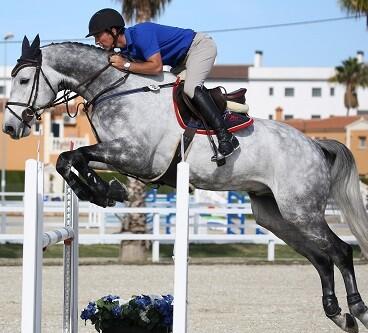 Jamie Winngrove, con Retro III, ganador en la prueba de caballos de 6 años