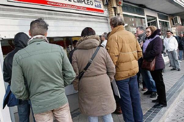 La Comunitat reduce el desempleo en 6.890 personas durante el mes de octubre.