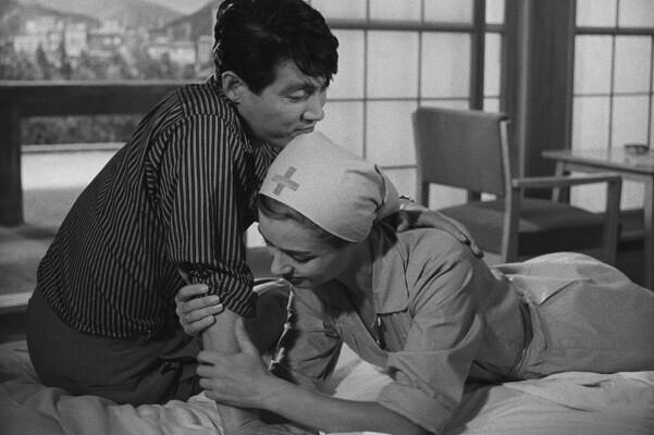 La Filmoteca y la Biblioteca Pública de Valencia presentan el film 'Hiroshima, mon amour'.
