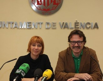 La concejala Pilar Soriano y el concejal Giuseppe Grezzi.