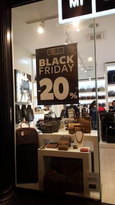 Locura de Black Friday viernes negro (1)