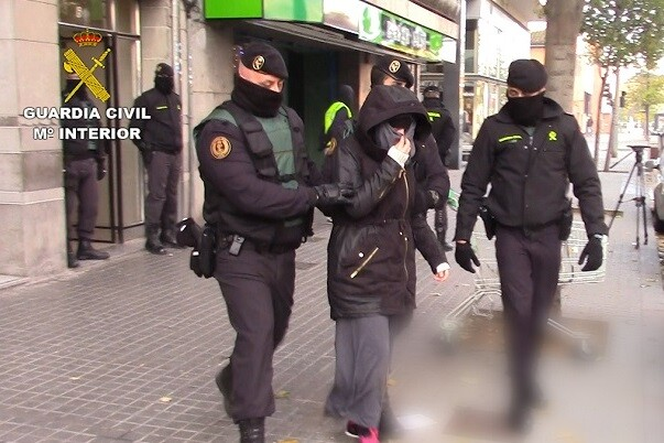 Los detenidos en Barcelona y Granollers llevaban una intensa labor de radicalización en nombre del DAESH a través de Internet.
