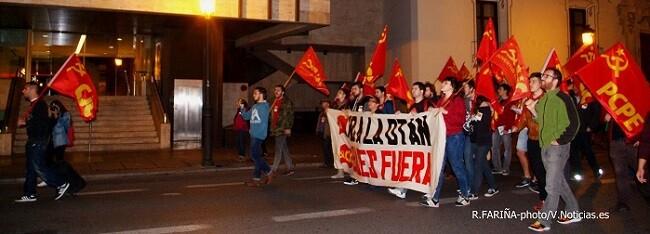 Los manifestantes mostraron su repulsa contra las maniobras 'Trident Juncture 2015' de la OTAN.