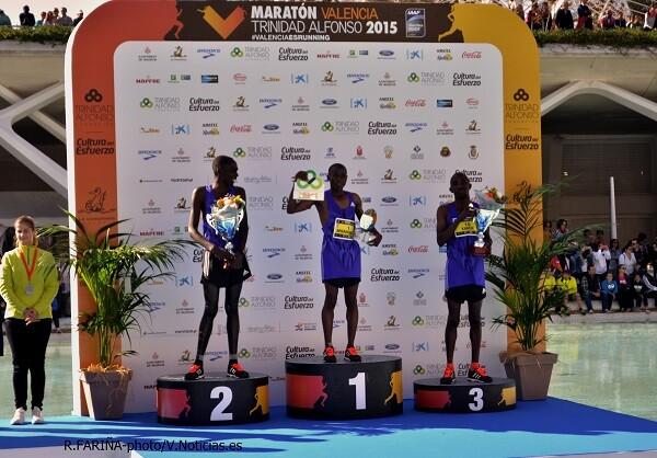 Los tres primeros corredores del Maratón Valencia.