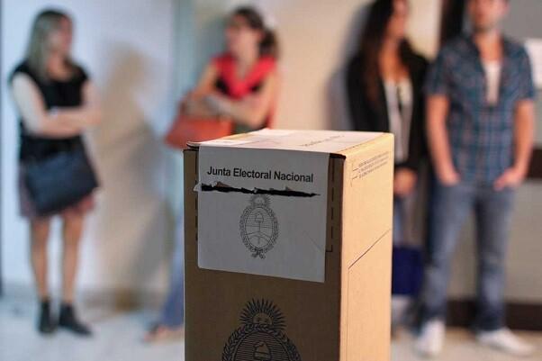 Más de 32 millones de argentinos están convocados a votar.