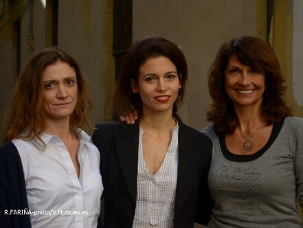 Marina Barba, Mireia Pàmies y Cristina Higueras minutos antes de la presentación de la obra.
