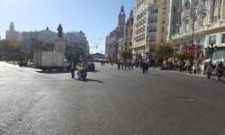 Primer domingo de la plaza del Ayuntamiento de Valencia cerrada para hacerla peatonal  (5)