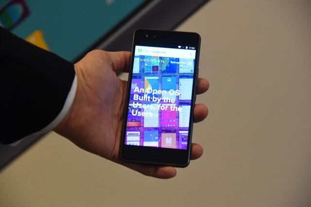 Primer-smartphone-espanol-con-el-sistema-operativo-Cyanogen_image640_