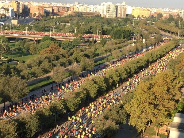 Salida del Maratón Valencia Trinidad Alfonso #ValenciaEsRunning (3)
