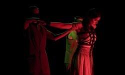 Se estrena en Valencia 'Pinedas tejen lirios, una pieza que forma parte de la Trilogía Republicana.