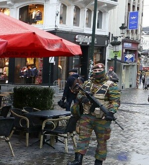 Se reduce la presencia militar y policial en las calles.