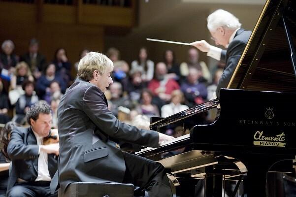 Thibaudet interpreta en el Palau de la Música a Schumann y Ravel en su único recital a España.