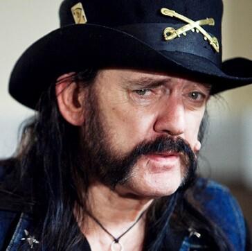 A mediados de los años setenta fundó la banda Motörhead.