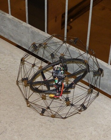 Aguas de Alicante ha realizado una prueba piloto con un dron que ha sido fabricado específicamente para la inspección de espacios confinados.