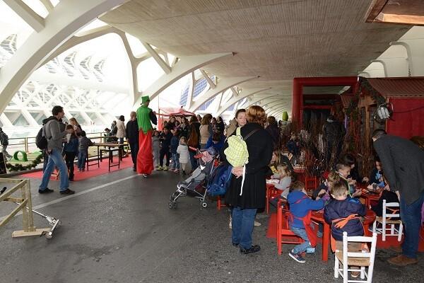 CAC ofrece su programación especial de Navidad con actuaciones, pista de hielo y mercado navideño.