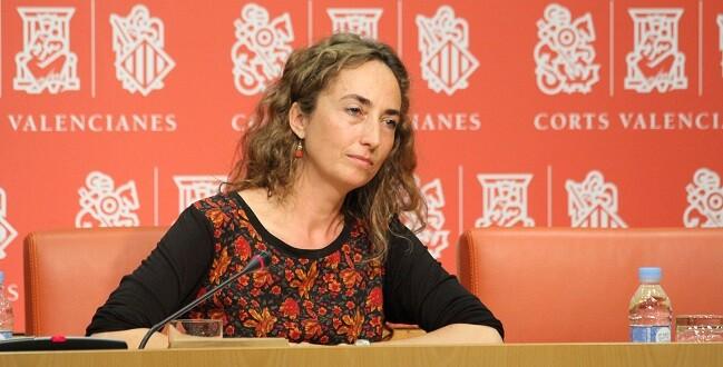 Carolina crítica las líneas políticas del tripartito.