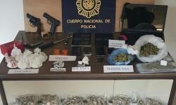 Detienen a 22 personas en una operación contra el menudeo de drogas en Alicante.