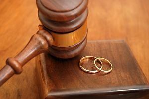 El descenso afecta a todos los tipos de disolución matrimonial.