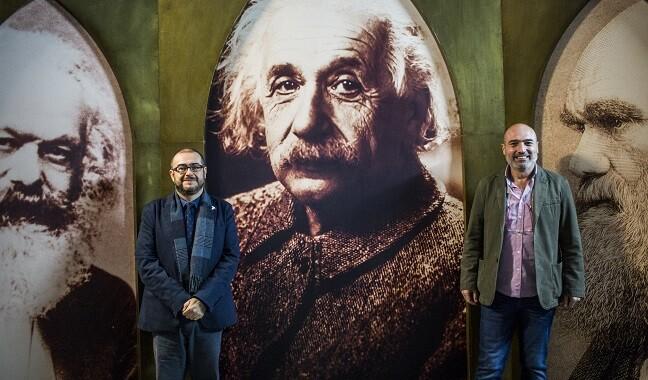El diputado de Cultura, Xavier Rius, junto al director del MuVIM, Rafael Company. (Foto-Eva Máñez).