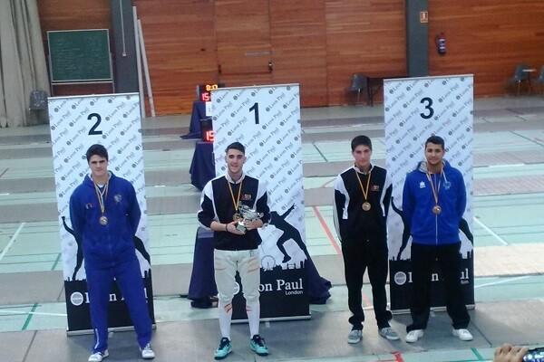 Fran Valero consigue la primera medalla en un torneo nacional para el Esgrima Marítim.