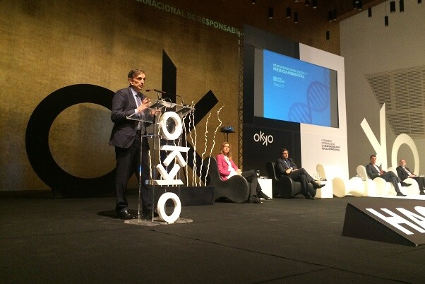 Francisco Bartual expuso el compromiso social y medioambiental de Aguas de Alicante en el I Congreso Internacional OKKO.