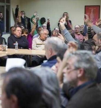 Imagen de archivo de una votación celebrada por València en Comú.