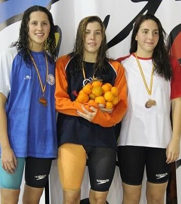 Jimena Pérez, la nadadora más destacada con cuatro victorias en cinco pruebas.