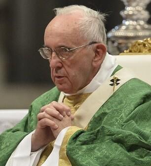 Jorge Bergoglio  durante la celebración de la misa.