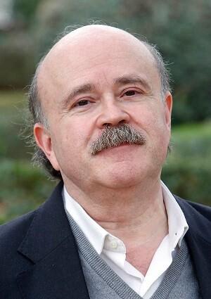 Josep Lluís Sirera fue un prestigioso autor y adaptador de textos de teatro.