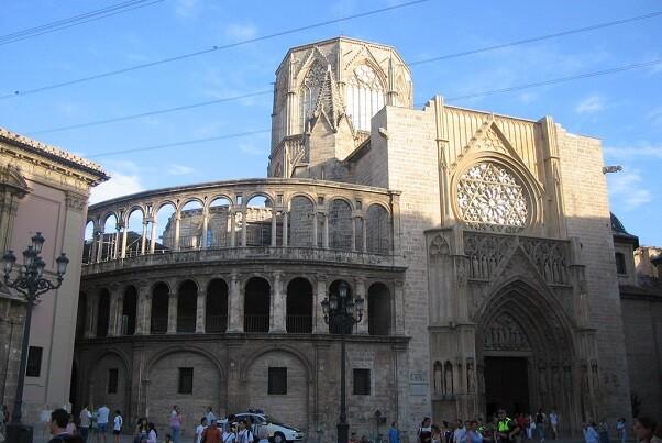 La Catedral, iglesias céntricas y dos carpas gigantes celebrarán oraciones durante encuentro el de Taizé.