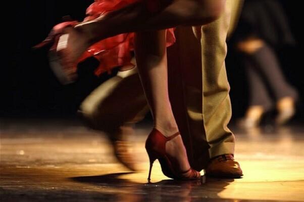 La estación del Norte de Valencia acogerá una exhibición de baile con motivo del 'Día mundial del tango'.