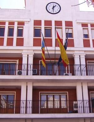 Manuel Haro gastó 900 euros del Ayuntamiento de Chiva en una excursión de jubilados antes de las municipales.
