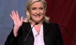La formación ultraderechista Frente Nacional gana la primera vuelta de las regionales francesas.