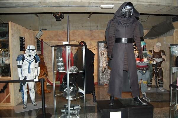 La sala Lametro acoge el photocall de la saga Skywalker con los personajes de 'La Guerra de las Galaxias'.